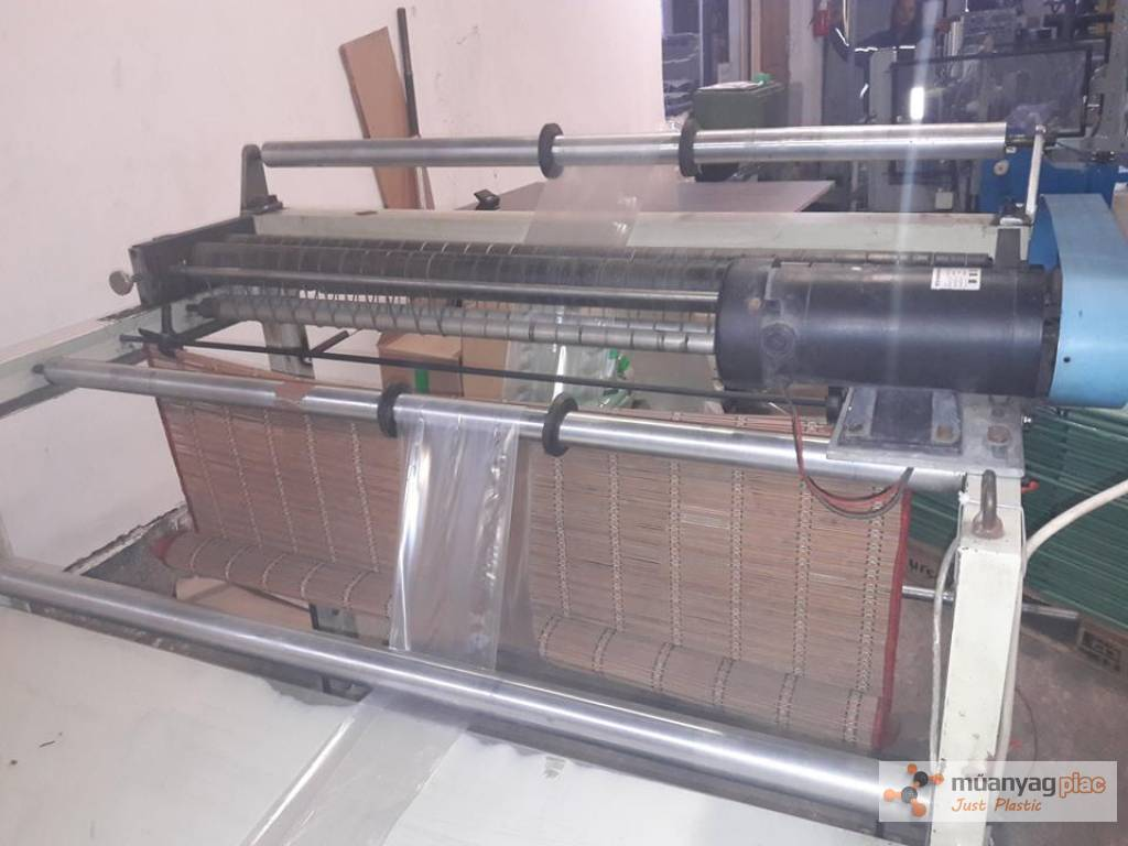 Eladó konfekcionáló gép